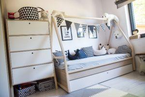 Pokój dzięcięcy udekorwany przez Morgan Interior Design
